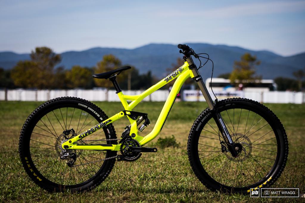 Commencal Supreme DH 650B downhill bike Roc D Azur