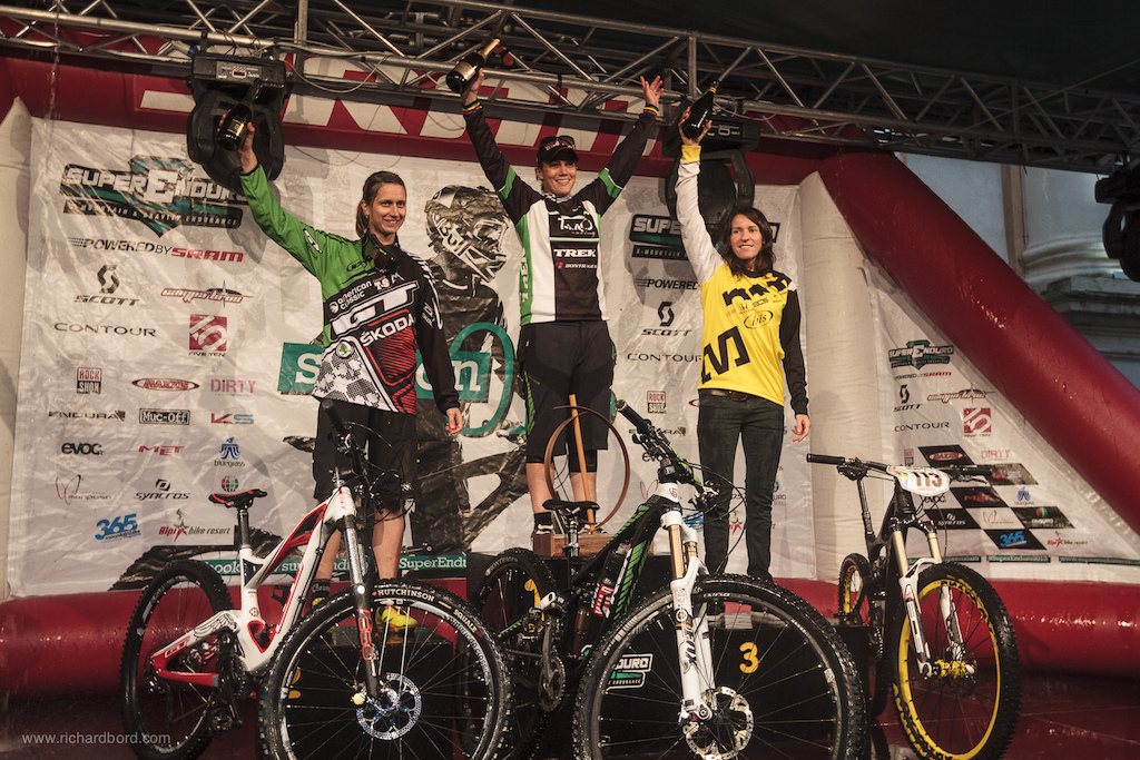 Here are the World s fastest women on an Enduro bike. Enduro World Series overall women category 1st - Tracy Moseley 2nd - Ceciel Ravanel 3rd - Anne-Caroline Chausson