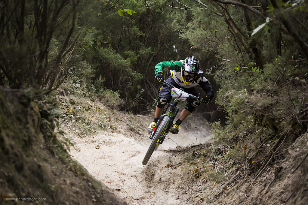 Even if he already had the EWS title before Finale Ligure Jey Clementz showed us that he could win again. 1st at the big finale and 1st Enduro World Champion. Amazing rider