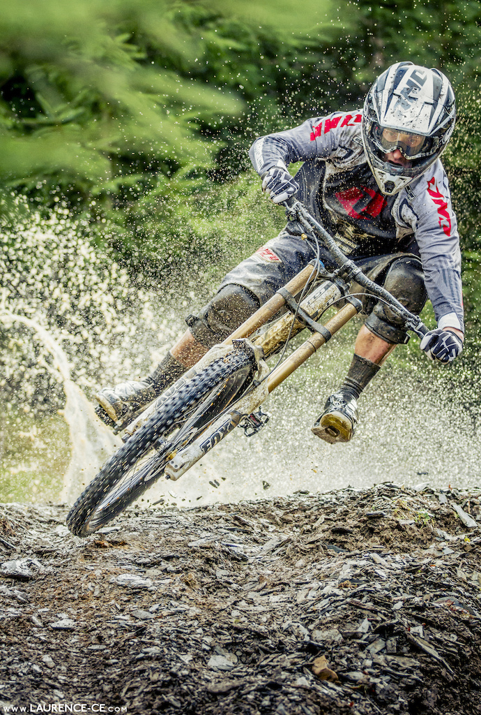 Marc Beaumont slaying some soaking wet Welsh trails high in the hills of North Wales - Laurence CE - www.laurence-ce.com