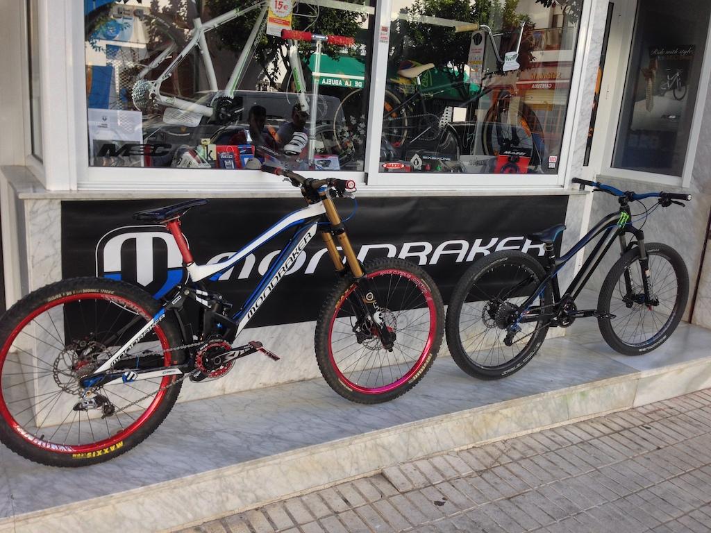 SUMMUM PRO TEAM 2014 VS Dualen II 2013 en Wild Bikes shop