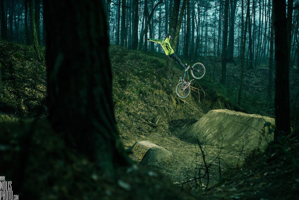 Progression by Szymon Godziek photo by Bartek Woli ski
