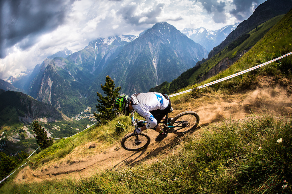 When the first images started to appear from the early rounds of the EWS I think every rider in the world was jealous. Jared finished second overall in the Enduro World Series cementing his place as one the best all around riders ever.