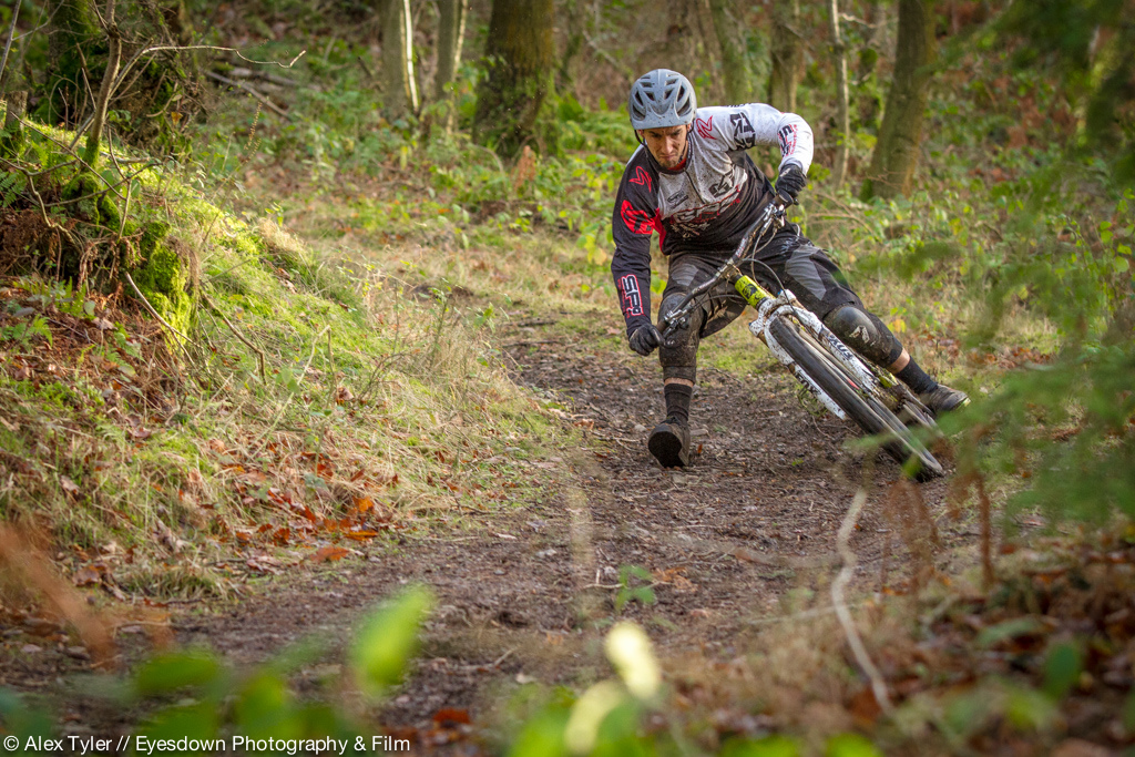 Neil has had a successful downhill racing career on flat pedals with some top ten results at World Cups and he became well known for his moto style, but now he has made the jump to enduro racing and has adopted the clip pedals. Neil gives us a little insight into why he made the change. http://mojo.co.uk/