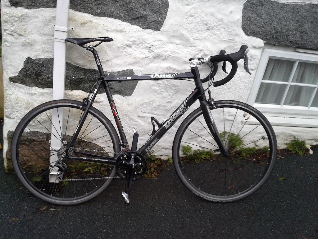 Training bike retro frame with 105