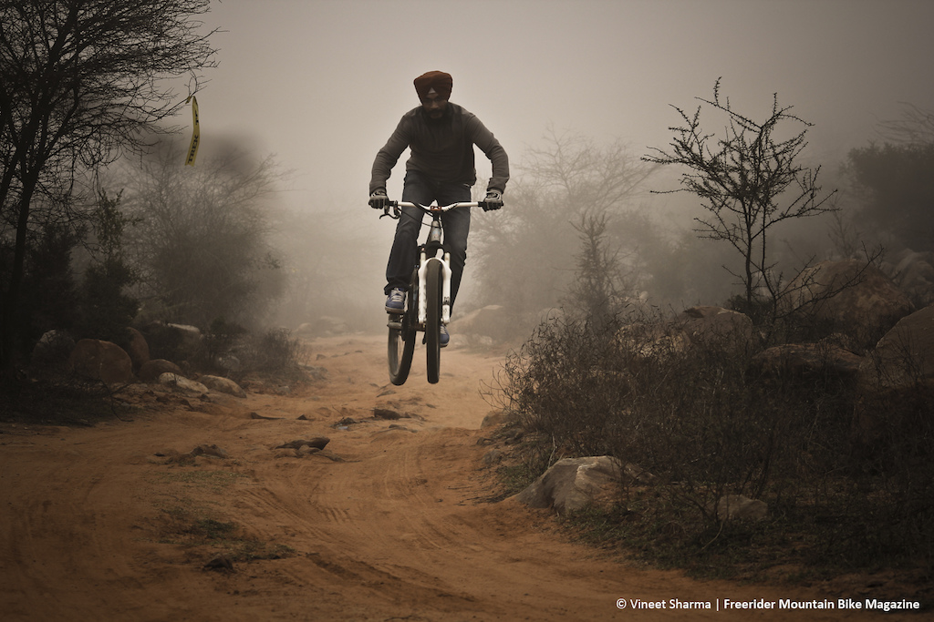 Jeewan 'The Urban Turban' Singh - on a foggy morning. - www.freeridermag.in