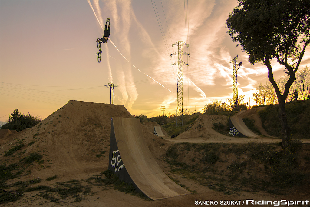 Andreu Lacondeguy doing his afternoon stretches at Bikepark La Poma.