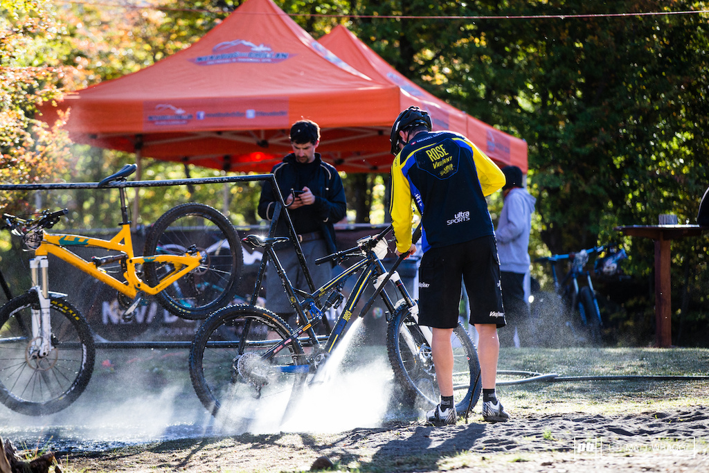 While there is virtually no mud here the amount of dust means bikes need a quick hose down at the end of each day.