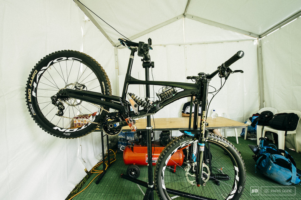 Lapierre 722 prototype with data acquisition Cairns WC 2014