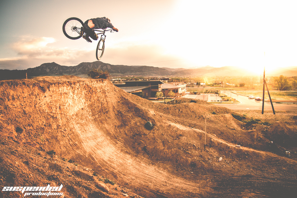Dj Shredding on the Dirt Quarter   -Follow us on FB: www.facebook.com/suspendedphotography and on -Instagram @suspendedproductions