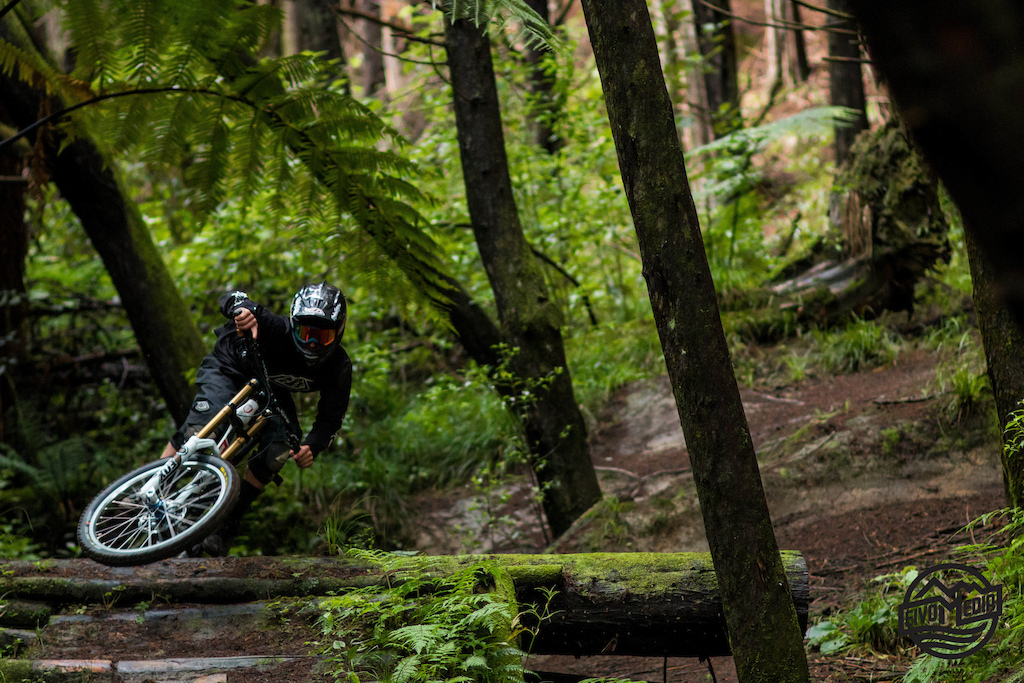 Take a trip down the famous Wanganui DH trails with Oceania U19 Champ Ben Watkins as he opens up into some Autumn Loamey goodness! Ben will be racing under team Norco Development at the DH World Championships and select World Cups this year so make sure to keep an eye out for this up and coming pinner!