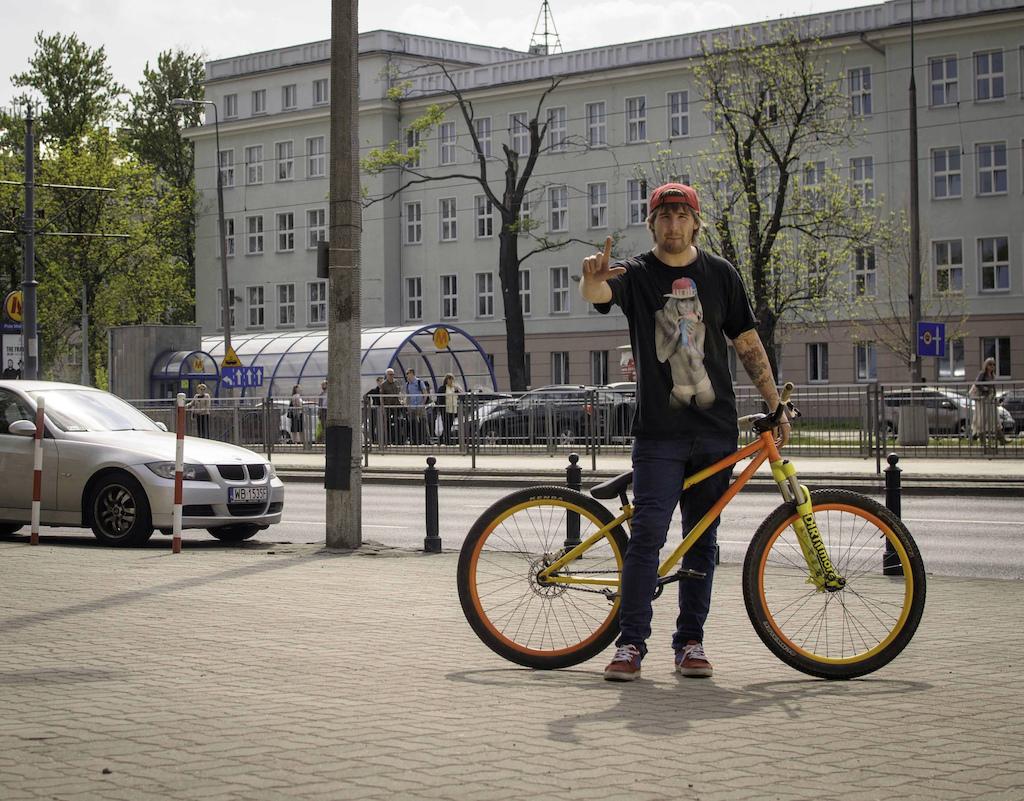 #RideYourWay video series from Dartmoor Bikes, this time with Piotrek Krajewski riding his Cody through the city jungle. Photo: Konrad Rucinski Badphoto - http://facebook.com/badphotobad