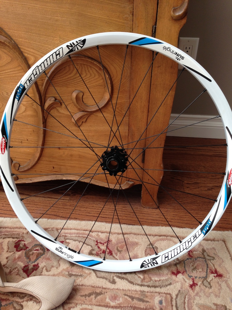 0 sun ringle charger front wheel