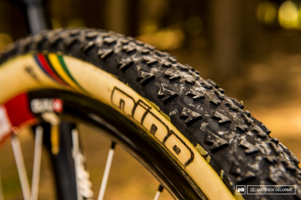 Nino and Dugast have created these tires from the ground up. They started with the carbon 650b DT Swiss wheels and then specially molded these tires. Nino has three tread patterns to choose from including a snake skin with ultra low profile side knobs for hard pack.