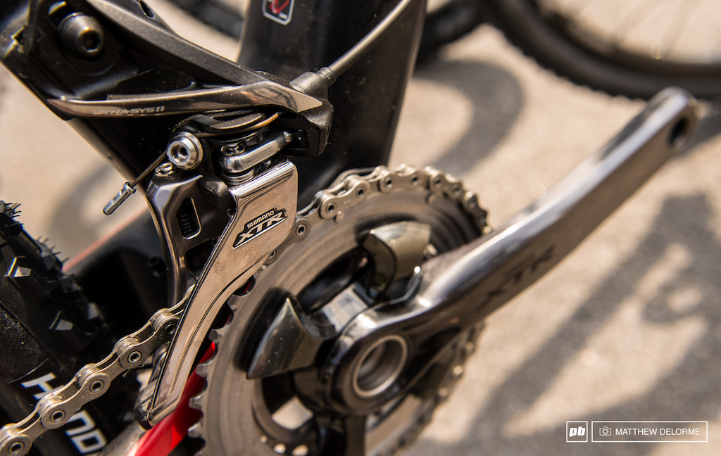 Shimano s new side-pull front derailleur delivers super strong quick shifting.