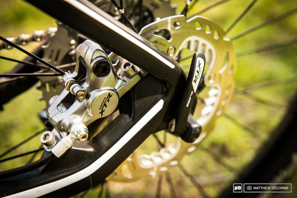Absalon s BMC Team Elite gets the full XTR treatment down to wheels and hubs.