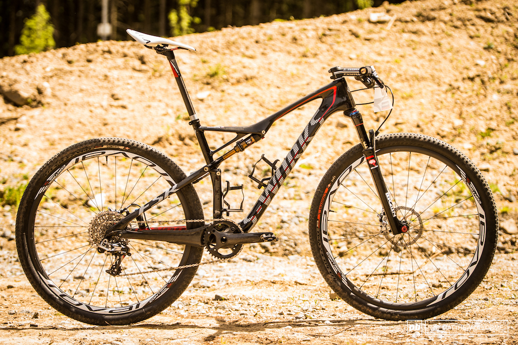 Kulhavy s S-Works Epic. This bike is set-up pretty close to stock. Note the mega steep seat angle and low front end.