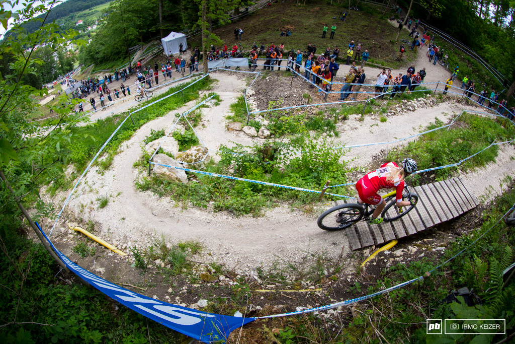 Albstadt s course might not be technical but it does provide spectators and riders with quite some views. The trail snakes around the valley allowing riders to track their opponents and try to catch up. Malene Degn tears the field apart.