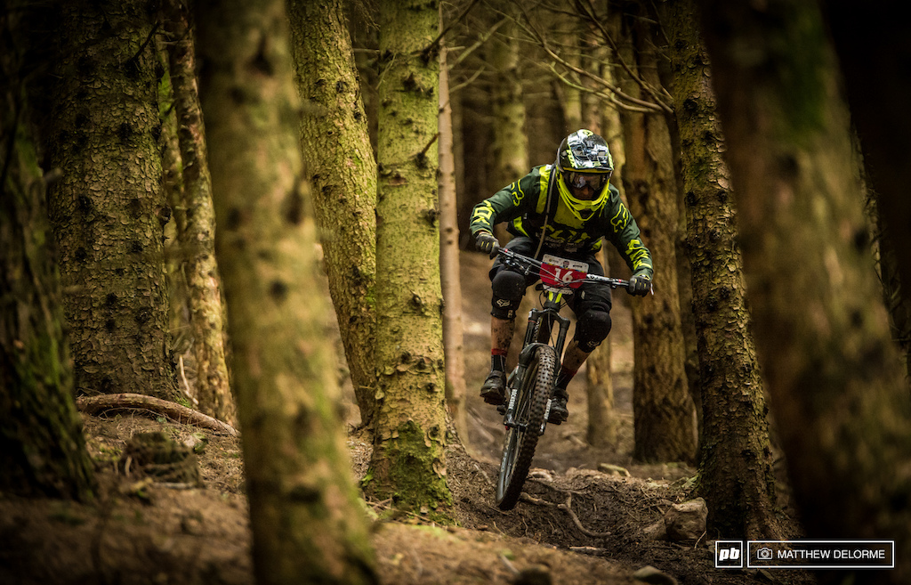 Devinci Alltricks Enduro Racing s Damion Oton to fourth place on stages one and three and twelfth on stage two. As it stands now he sits in fourth overall for the day.