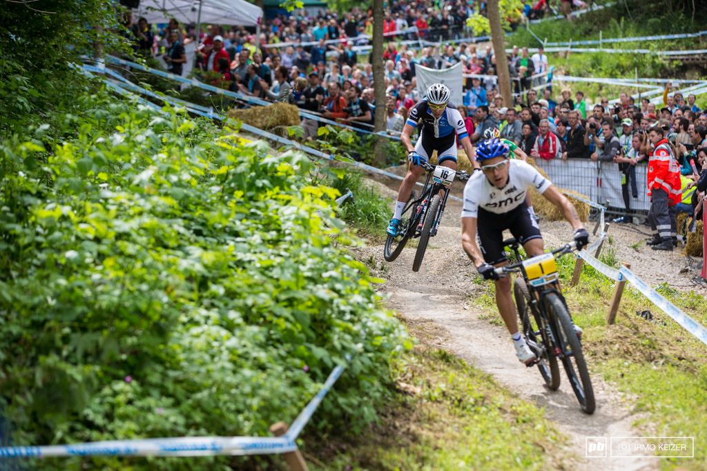 Emil Lindgren chasing Julien Absalon. The Swedish rider had an awesome start.