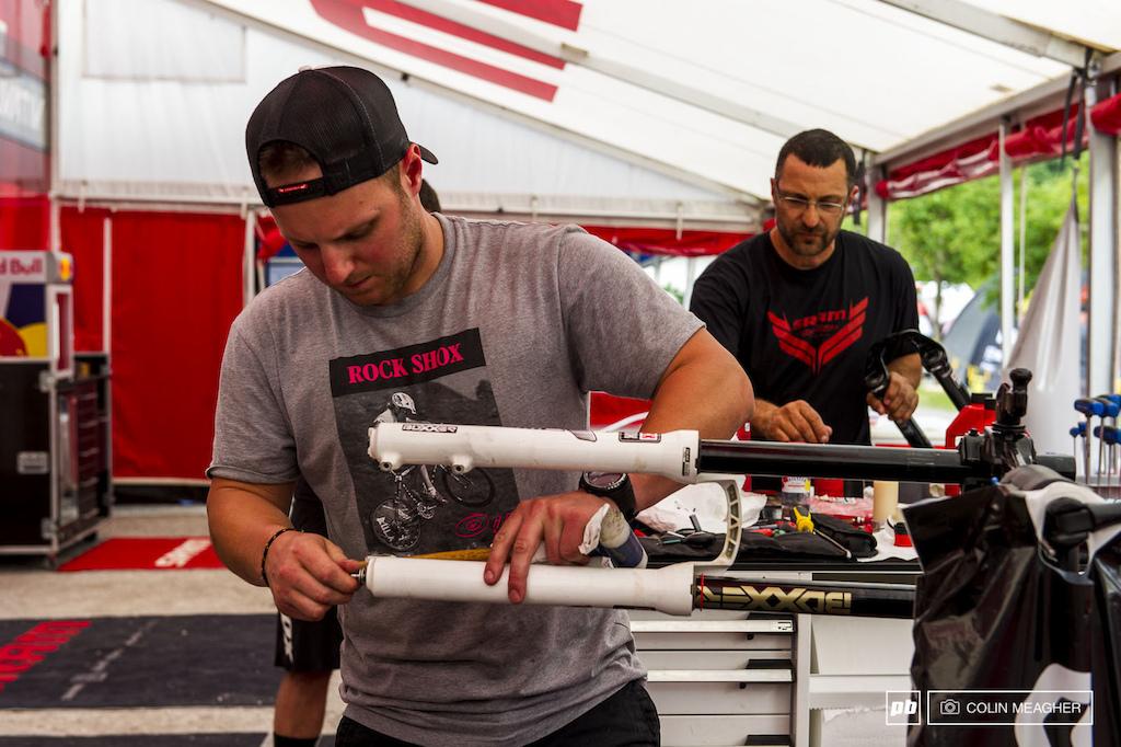 BoXXer World Champ Evan Warner uncorking Mitch Ropelato s BoXXer to reveal...