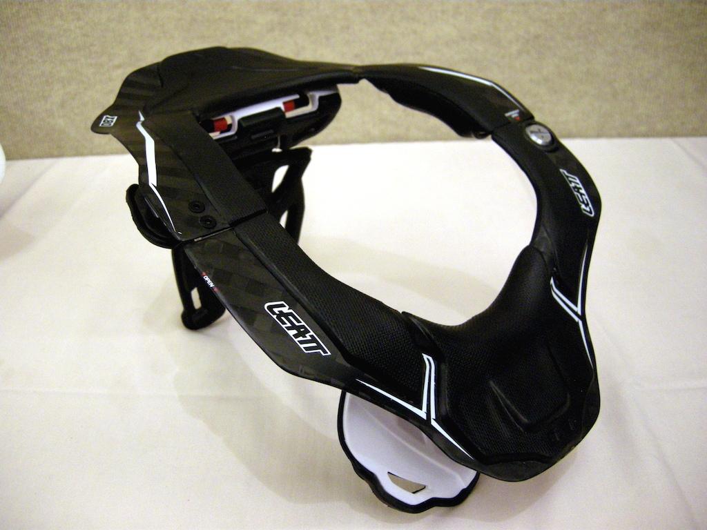 Leatt DBX 6.5 neck protection device 2015