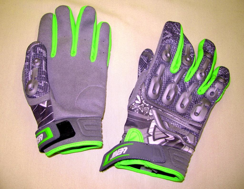 Leatt Aeroflex Lite glove 2015