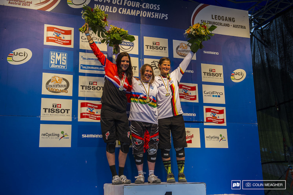 The Women s podium with Curd flanked by second place finisher Anneke Beerten on the left and Steffi Marth on the right .