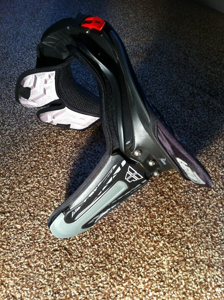0 Fly Racing Leatt Podium Adult Neck Brace Bike Racing Body Ar