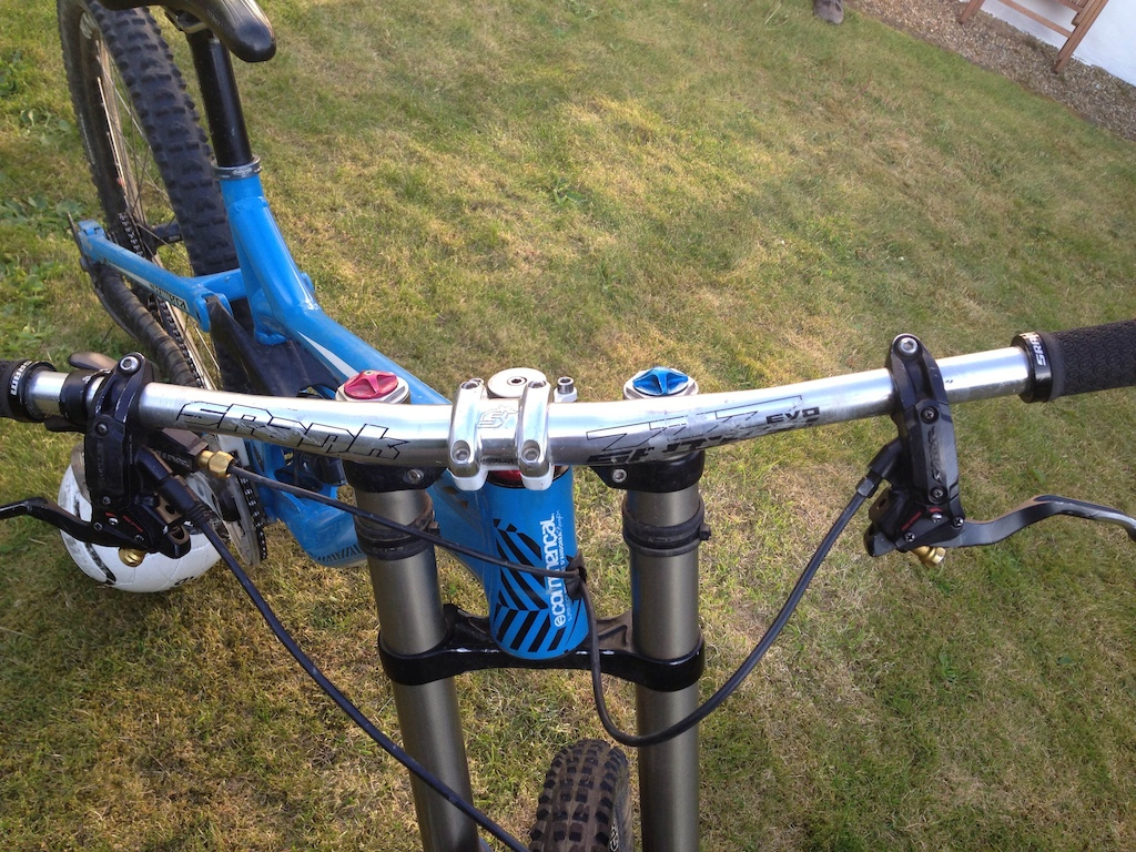 2012 Commencal Supreme V3 Medium