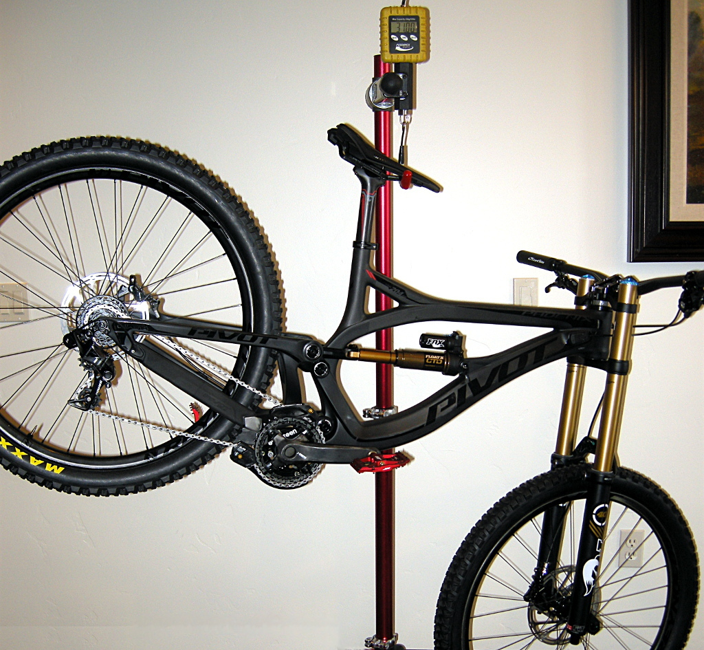 Maxxis prototype DH tires on Pivot Phoenix Carbon DH bike - 2015