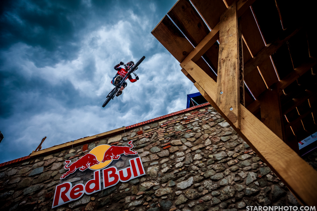 Rule of thirds with the Johannes Fischbach in the air.