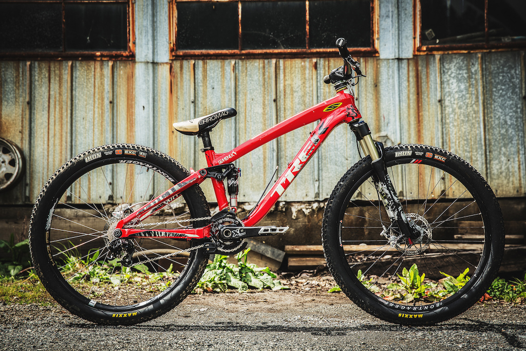 Brandon's bright red slopestyle bike in 2011 finally took him to the top step at Crankworx Whistler. The bike was ahead of its time, featuring prototype components and custom tuned suspension. A few of these have made their way into the SRAM line up and are featured on his 2014 slopestyle bike.