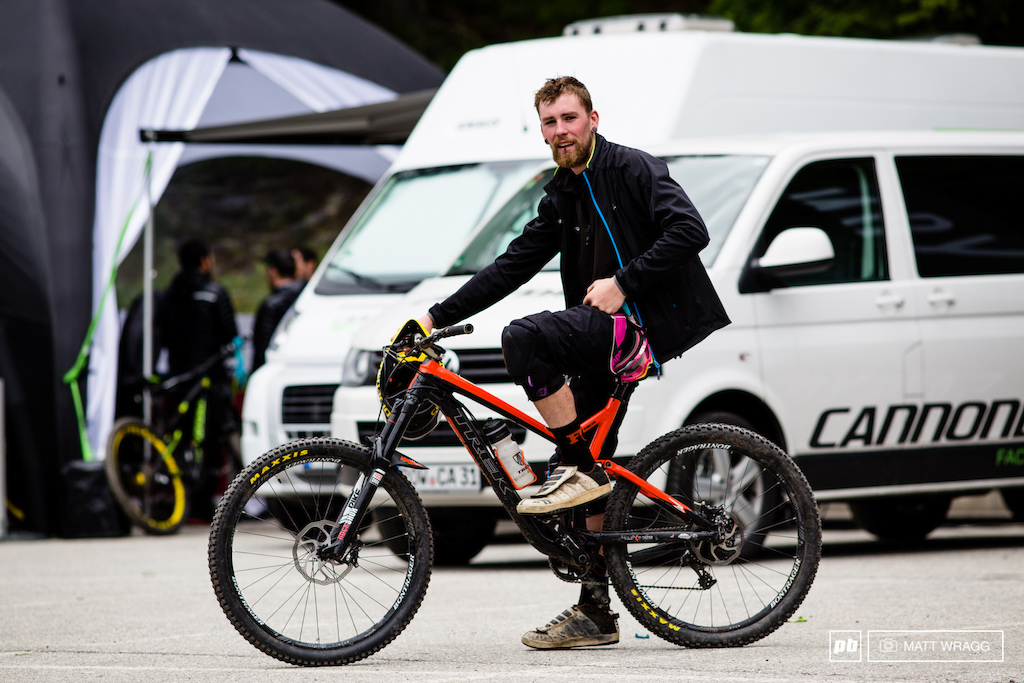 The winner of the award for this weekends slackest bike goes to Gav Carroll. He left Ireland to come racing at Valloire and has been on the road since. Unluckily for him his fork blew early on and like most of the privateers racers he doesn t have enough cash spare to replace it. Tim Flooks at SRAM helped him stay racing with a spare fork he had tucked away - one of Curtis Keenes old forks. The only snag is that Curtis runs at 29er and Gavs Trek Slask is 27.5 so his headangle has got pretty wild sitting at what he reckons must be close to 63 degrees. That said for the tracks here and the speeds the guys are hitting it might be bonus.