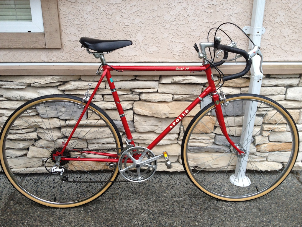 0 Mint Apollo road bike- Brand new tires and tuned up!