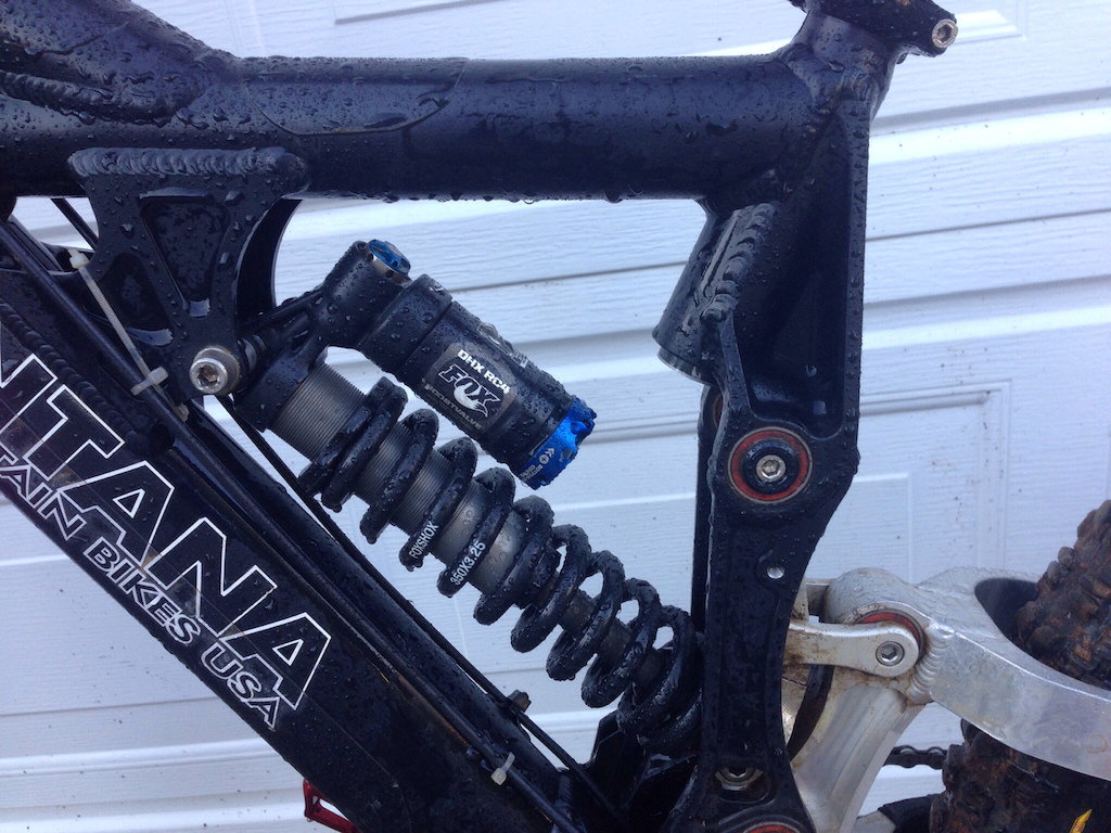2009 Ventana El Cuervo Sm (Almost new Fox 40 Fork & RC4 Shox)
