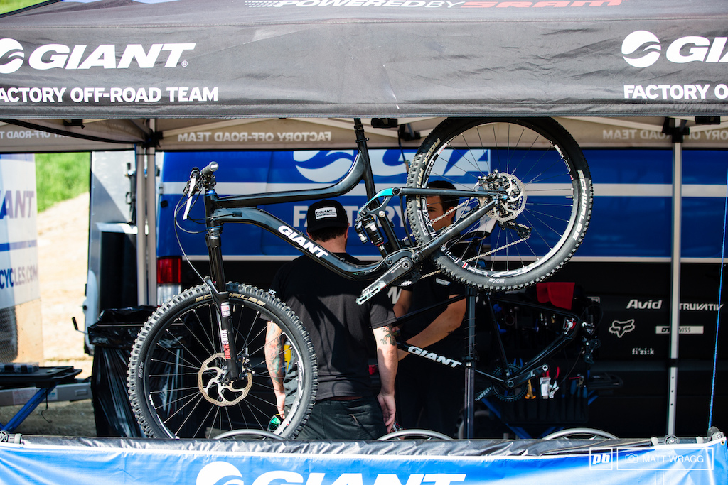 Enduro World Series 5. Giant Reign 27.5