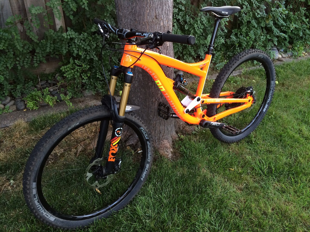 2015 Diamondback Mission Pro 27.5; fox 34, fox float x, Easton haven, sram xo, race face next sl carbon crank, rock shox reverb