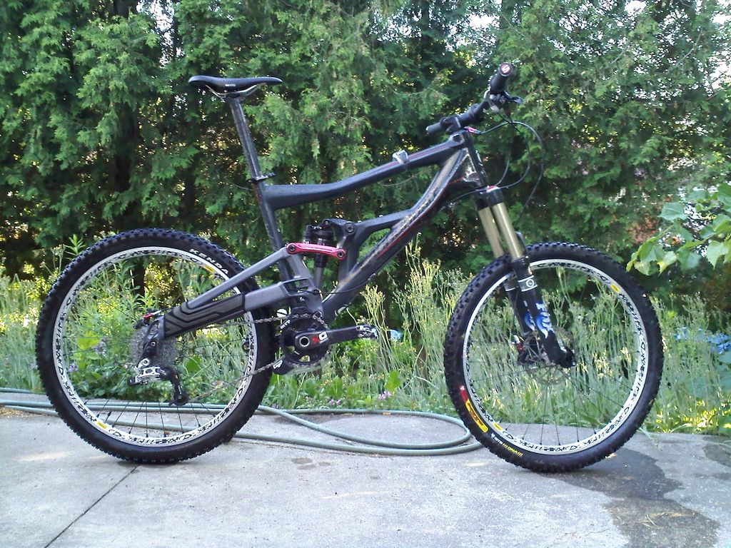 My bike (Cannondale)  was stolen along with my xc race bike a Marin mount vision 5.9 with rotor cranks and XT wheels. both bikes locked inside my apartment building...stolen from fort york area Toronto. $500- reward for information that leads to the recovery of one bike, $1000 for both.