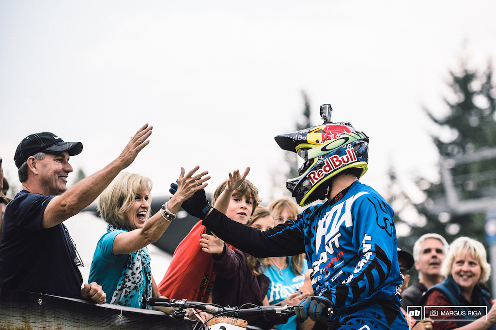 Marcello Gutierrez Villega being congratulated after taking the number one spot at the Garbanzo DH.