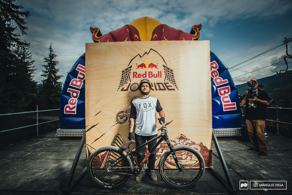 Yannick Granieri and his YT Industries Dirt Love.