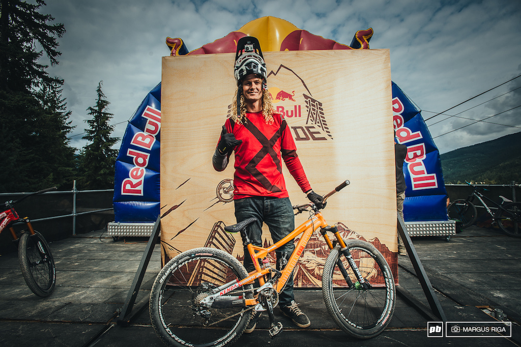Kelly McGarry and his Diamondback 4XSlopestyle