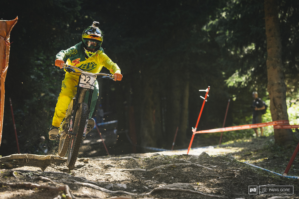 What can you spot in this photo that s unusual Just one hint... Troy has been learning something from Sam Hill.