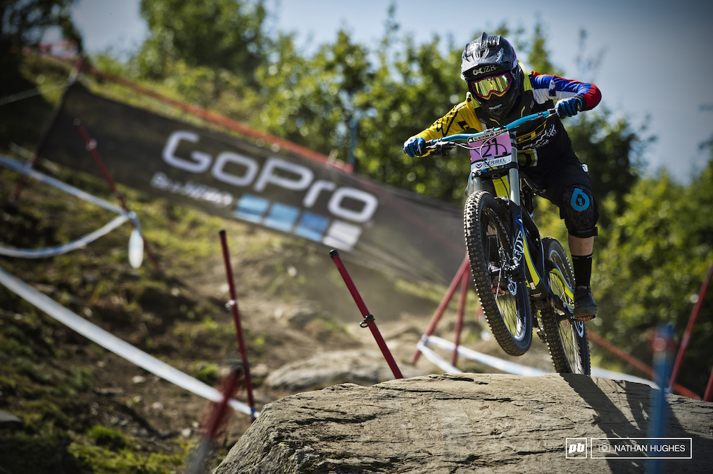 Zarja the charger Cernilogar hasn t made it to many World Cups this year but 10th today shows she still well up to speed with the big girls. Look out for her hair-handlebar color-match repping Slovenia at Worlds.