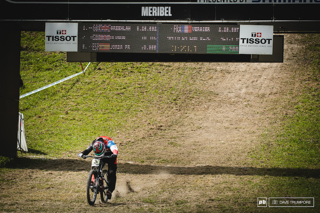 Last man down and across the line in green Loris Vergier took home the Jr. title from Luca Shaw.