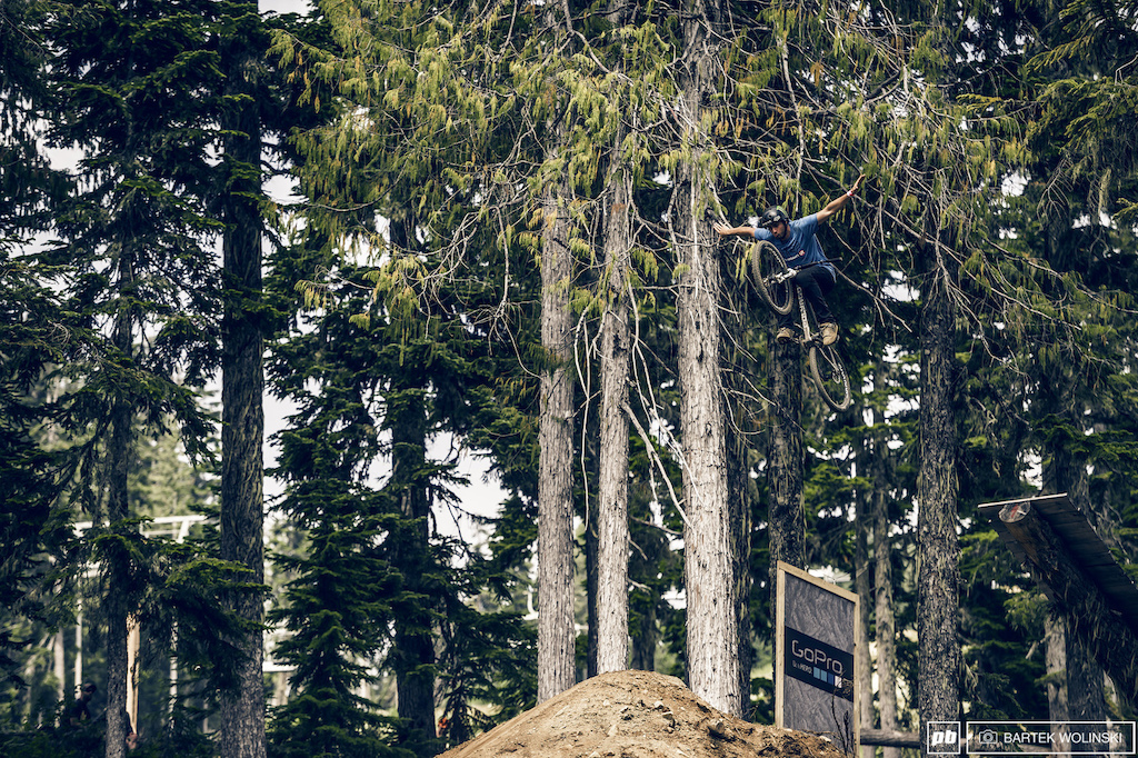 Sam Reynolds missed his luck a bit at the Vancouver Island but still menaged to get the crowd hyped.