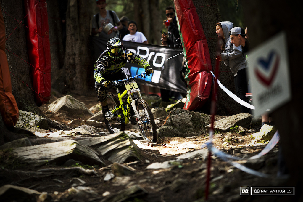 Maxime Ciriego skips into the rock garden flat-out for 6th place as France s fastest junior after Loris Vergier.