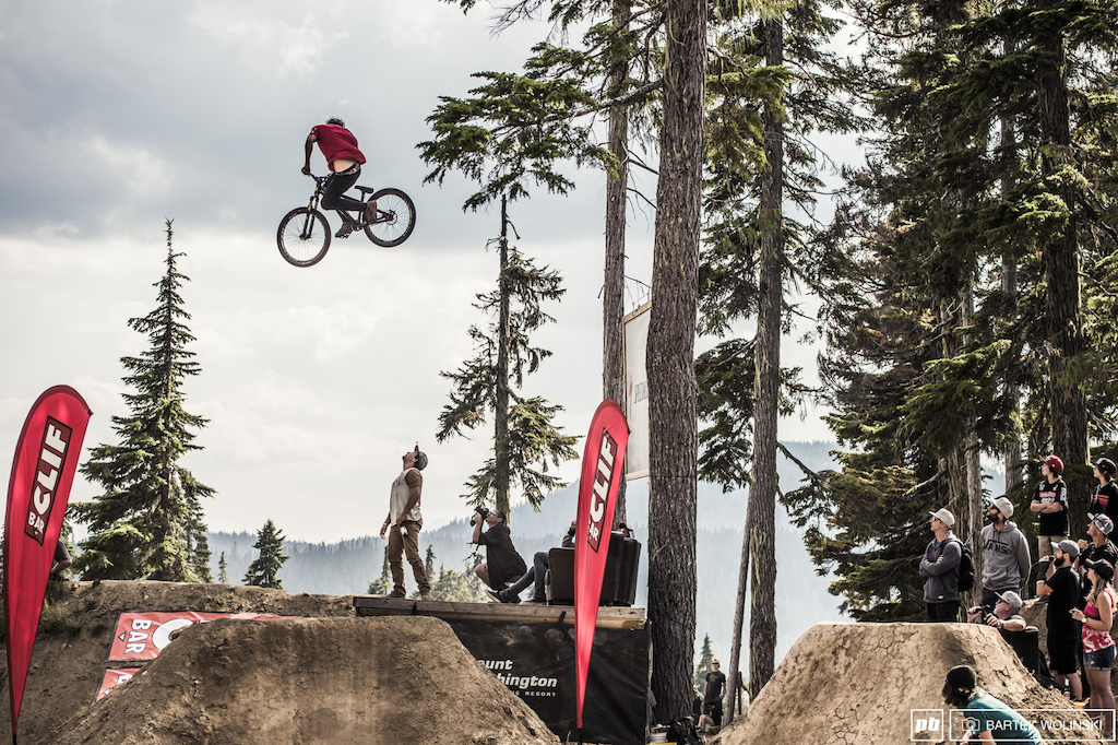 Tomas Lemoine while jaw dropping the crowd.