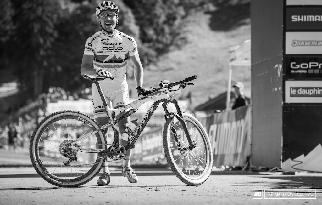 Nino Schurter is now looking to keeping the rainbow stripes on his back in Norway.