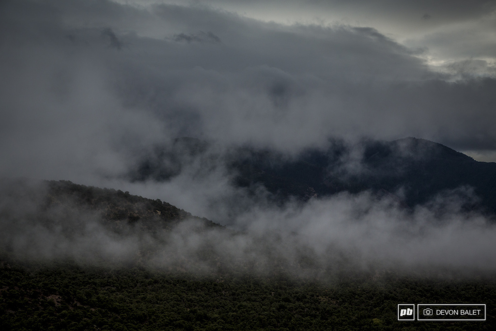 Saturday mornings weather was ominous and full of rain forcing the Big Mountain Enduro crew to delay the race until Sunday.